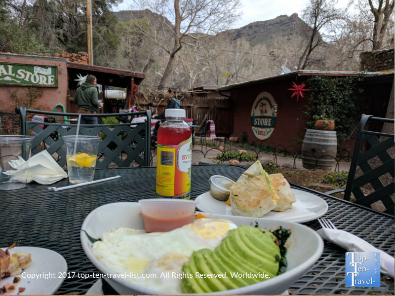 Breakfast at Indian gardens in Sedona