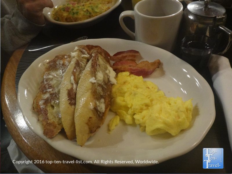 Hearty breakfast at Horsemens Lodge in Flagstaff, Arizona