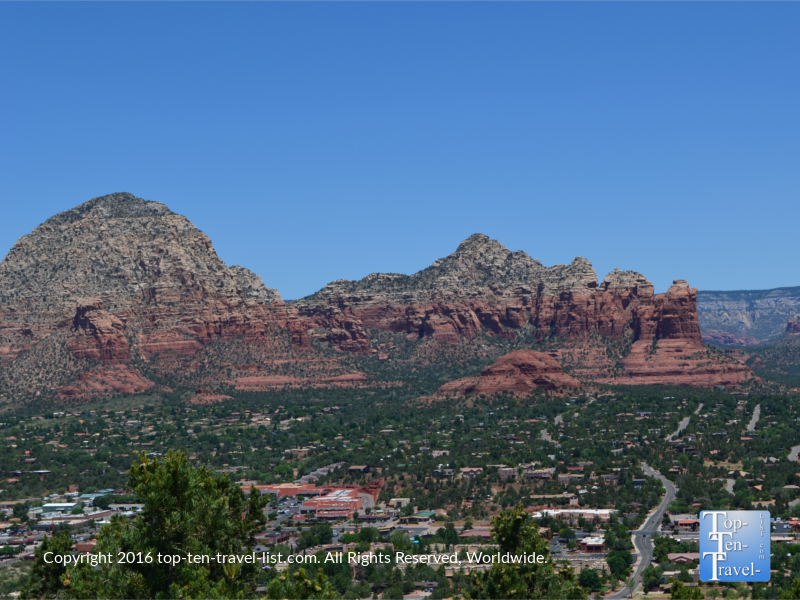 Stunning view from Airport Mesa Overlook in Sedona AZ