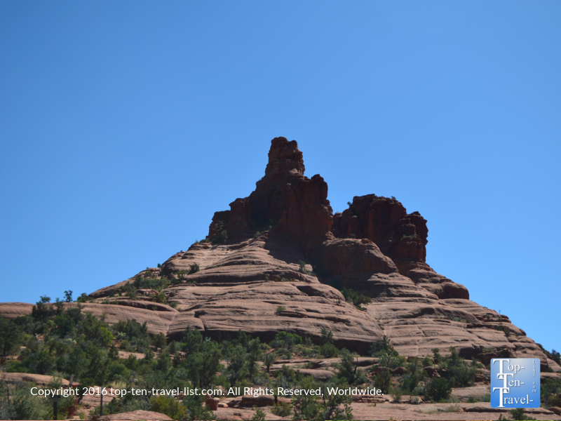 Beautiful views along the Bell Rock trail in Sedona AZ