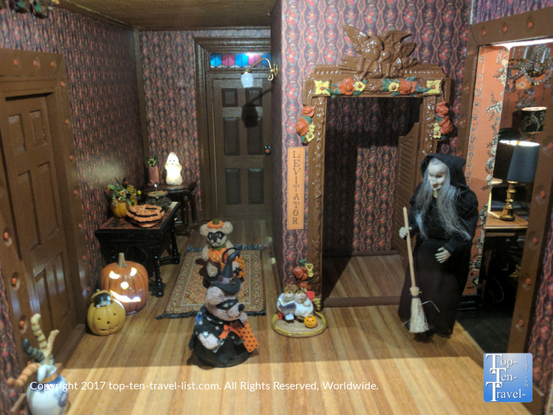 Miniature Halloween display at the Mini Time Museum of Miniatures in Tucson AZ 4