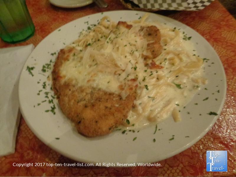 Chicken Alfredo at Papa's Italian Restaurant in Prescott, Arizona
