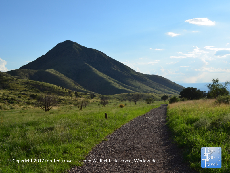 Peaceful scenery on the Dripping Springs trail in Las Cruces, NM