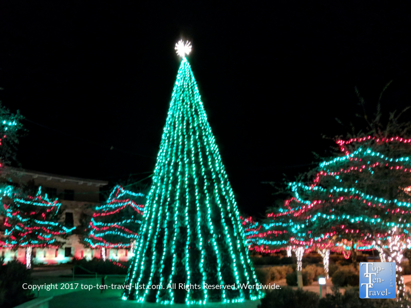Synchronized Christmas music and light show in Marana, AZ