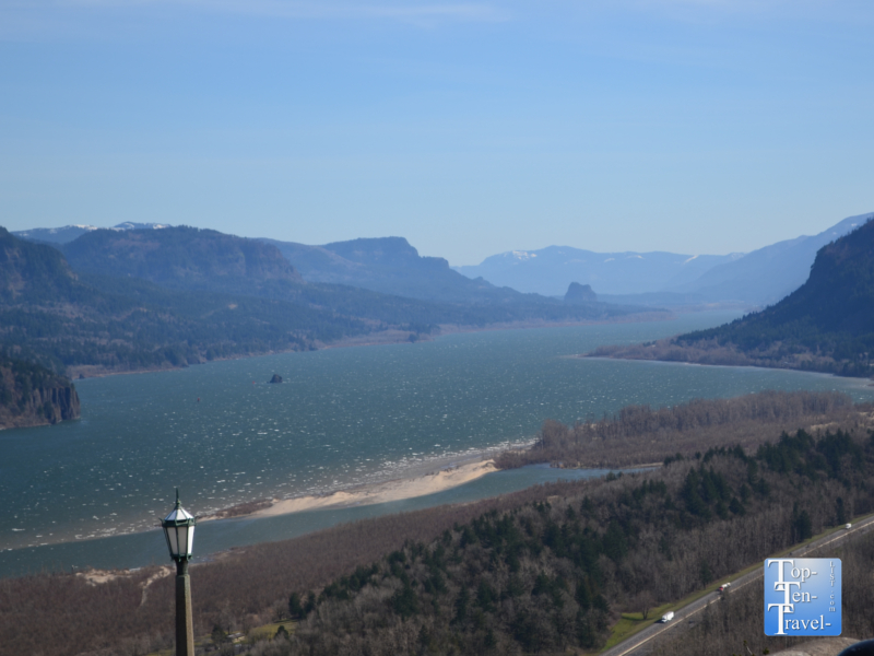 Amazing scenery from the Vista House at Crown Point in Oregon