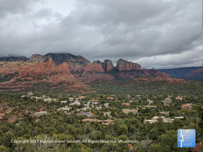 Gorgeous scenery along the Teacup trail in Sedona, Arizona