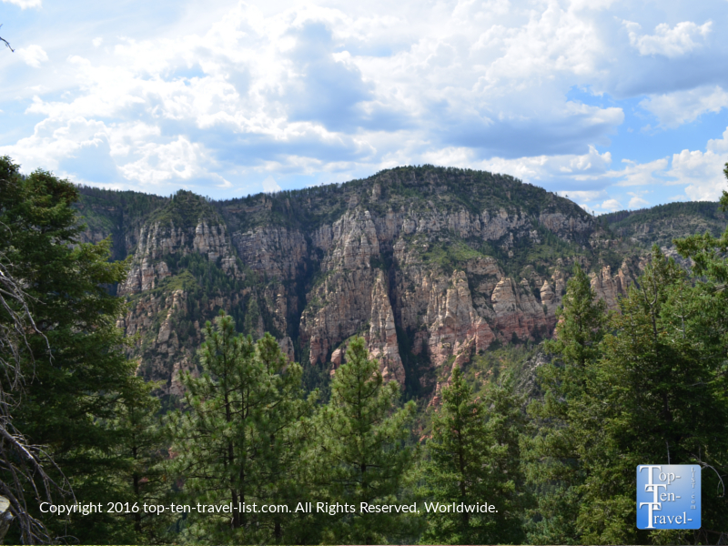 Scenic overlook on the Cookstove Trail on Oak Creek Canyon drive