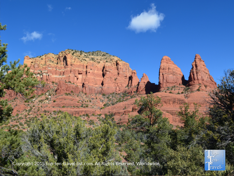Stunning red rock scenery along the Red Rock Scenic Byway in Sedona, Arizona