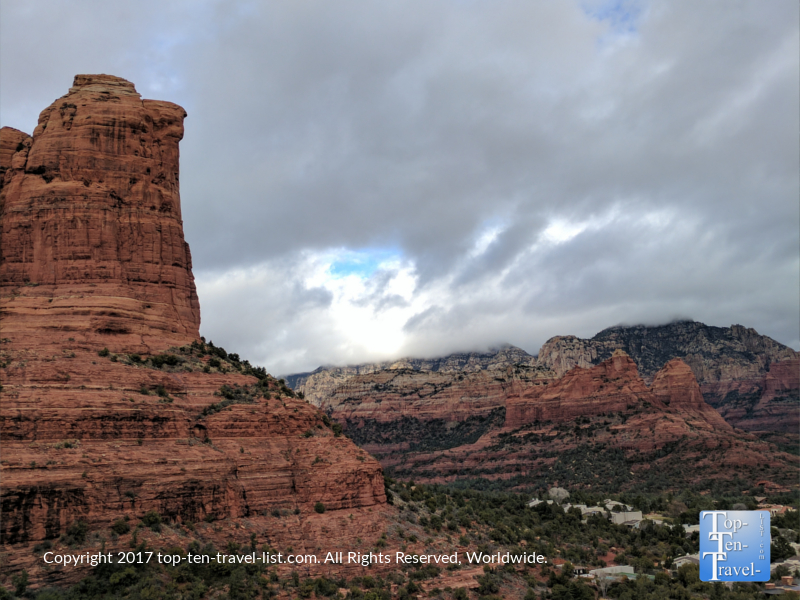 The beautiful Teacup/Sugarloaf Summit hiking trail in Sedona, Arizona