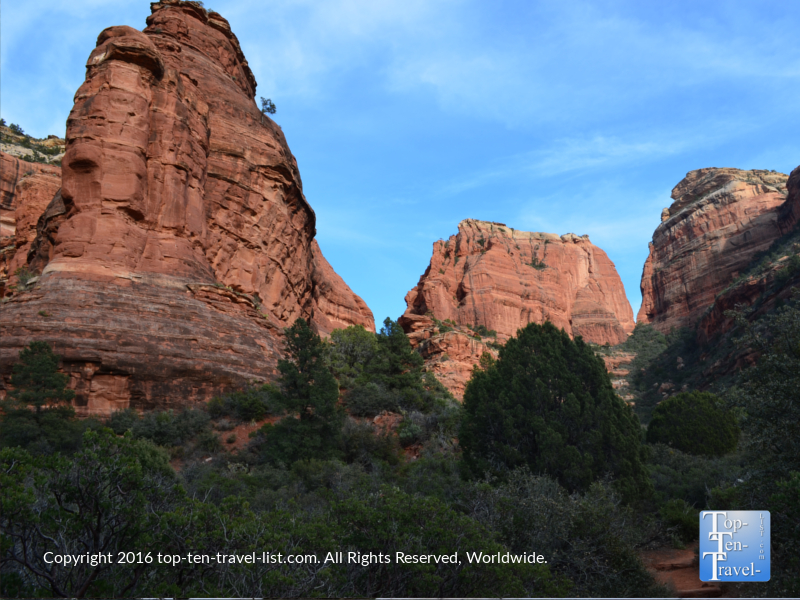 Towering red rock vistas along the Boynton Canyon trail in Sedona, Arizona