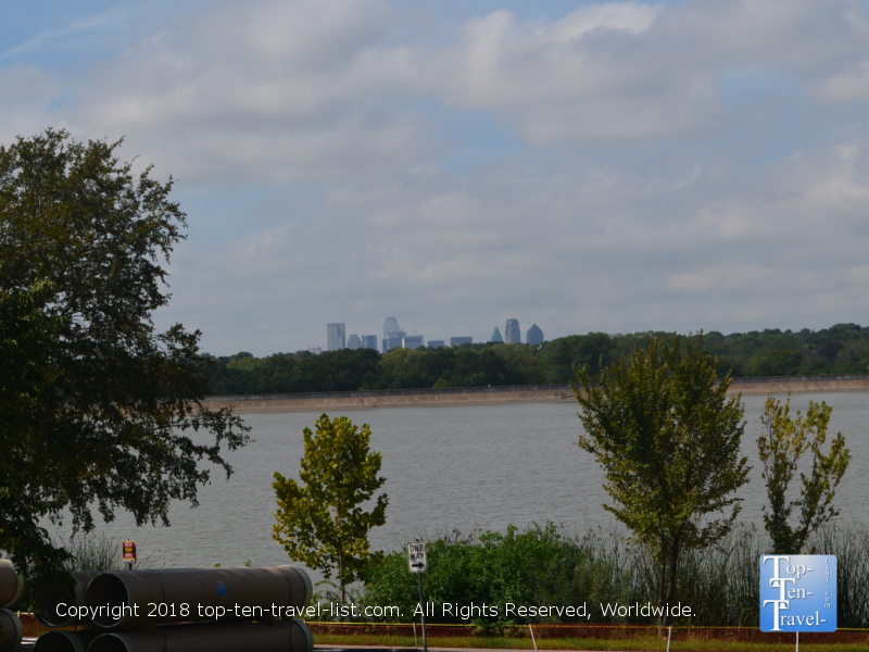 Views of White Rock Lake and the Dallas skyline from the Arboretum