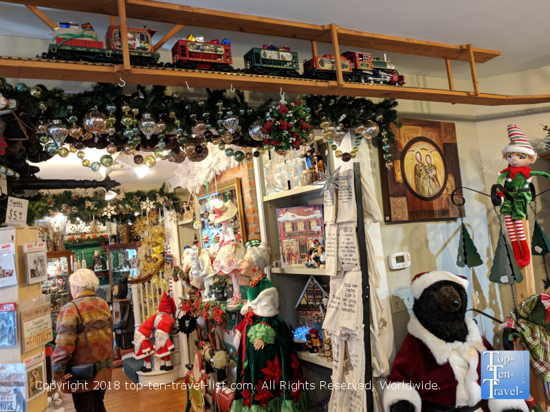 Christmas  shop at the Omni Park Grove in Asheville, North Carolina