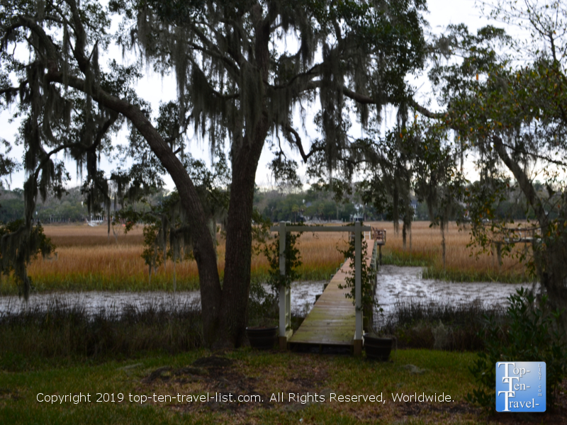 Serene nature setting at Plantation Oaks Inn in Mt Pleasant, South Carolina