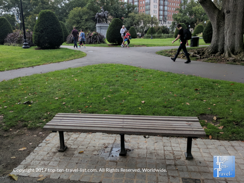The famous bench from Good Will Hunting