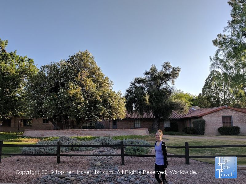 Cindy's house from Can't Buy Me Love, located in Tucson, Arizona