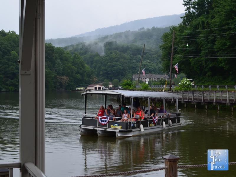 Cruise at Lake Lure