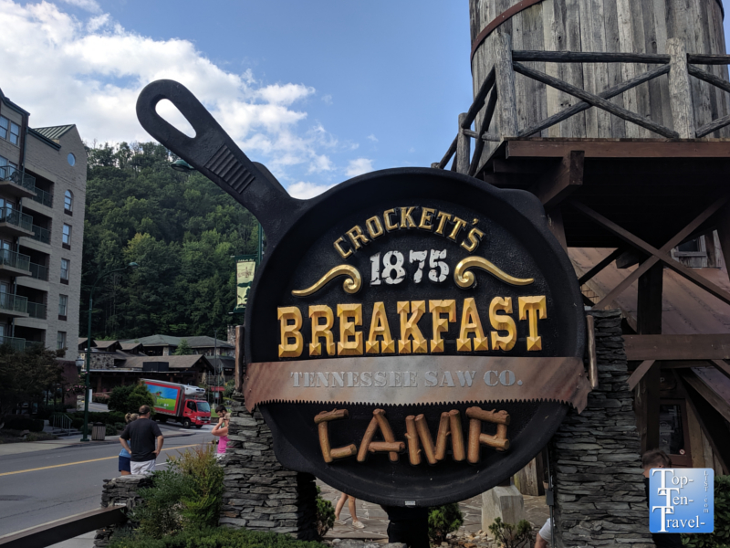 Crockett's Breakfast Camp in Gatlinburg, TN