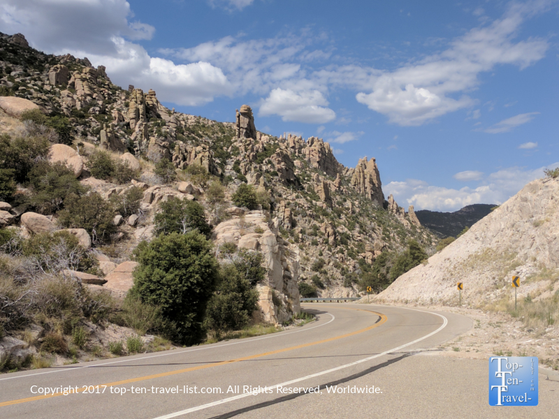 Beautiful desert scenery along the Mt Lemmon Scenic Byway