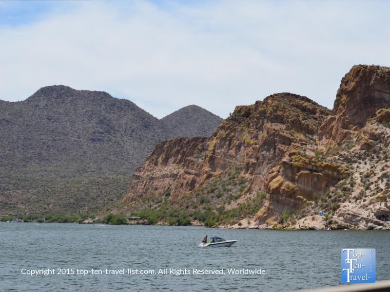 Gorgeous scenery at Saguaro Lake in Phoenix, Arizona