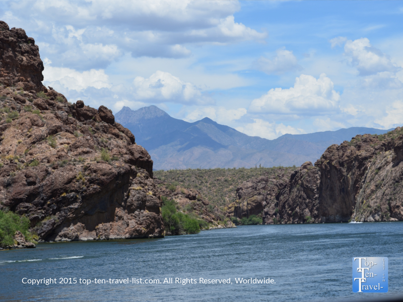 Amazing scenery at Saguaro Lake in Phoenix, Arizona