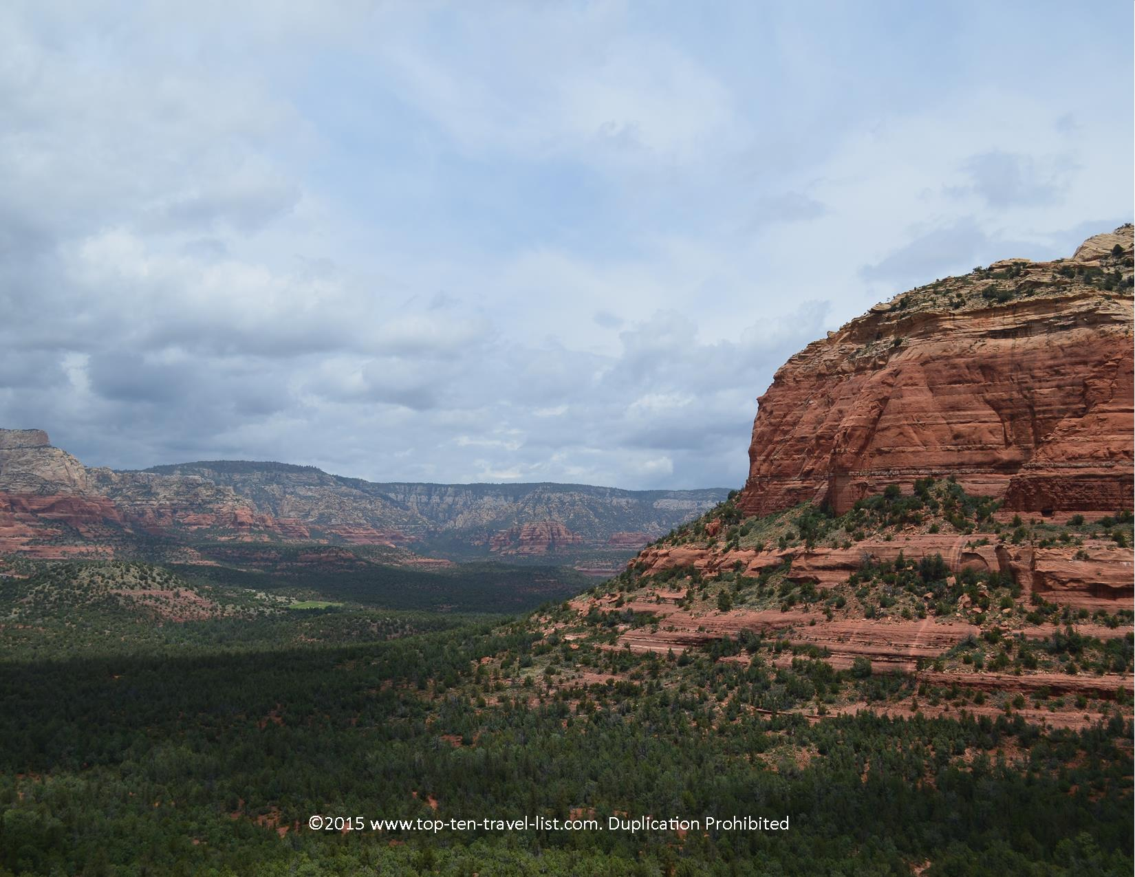 Colorful rock formations along the Devil's Bridge hike in Sedona, Arizona