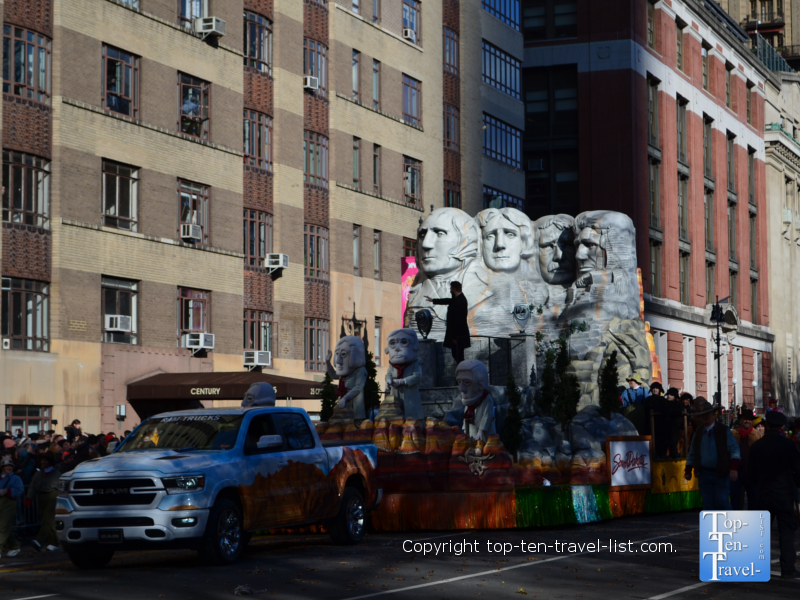 Mount Rushmore float in the Macy's Thanksgiving Day Parade