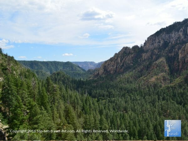 Dramatic overlooks of Oak Creek Canyon via the Cookstove hiking trail