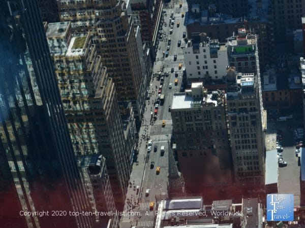 A cool street view of NYC via the Empire State building 86th floor observatory
