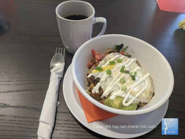 Veggie skillet and house coffee at the Sandpiper Cafe in Dunedin, Florida