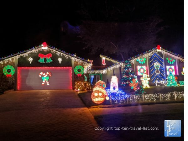 Indian Trails HOA drive through Christmas lights in Palm Harbor, Florida