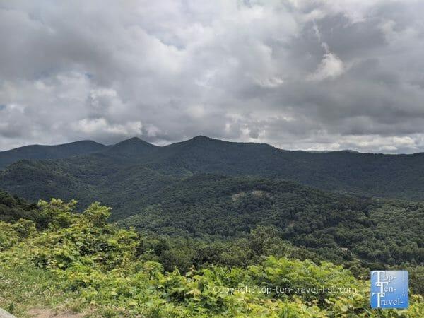 Gorgeous views at the Tanbark Ridge overlook along the Blue Ridge Parkway near Asheville