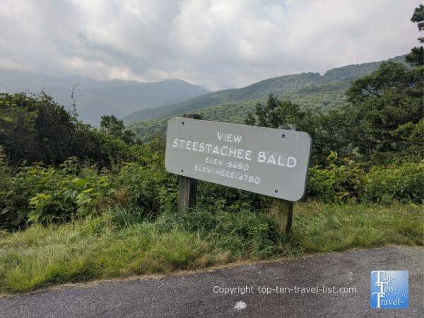View Steestachee Bald overlook along the Blue Ridge Parkway in Western North Carolina