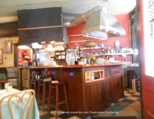 Le Petit Triangle Cafe Restaurant Preview