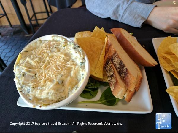 El Gato Azul Restaurant Preview