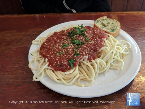 Rocco's Little Chicago Restaurant Preview