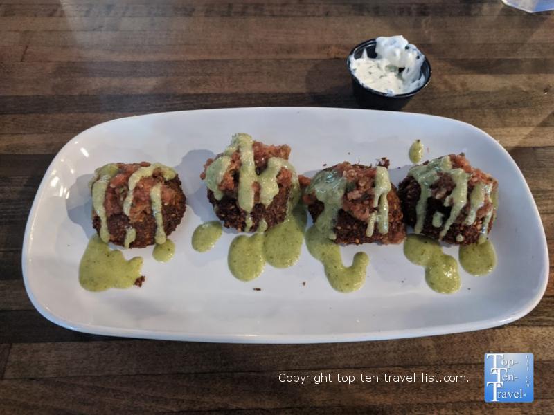 Acropolis Greek Taverna Restaurant Preview