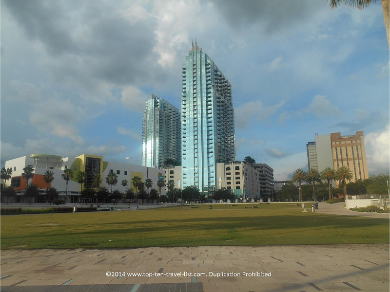 Enjoy great skyline views & convenient access to the city's best attractions along the Tampa Riverwalk